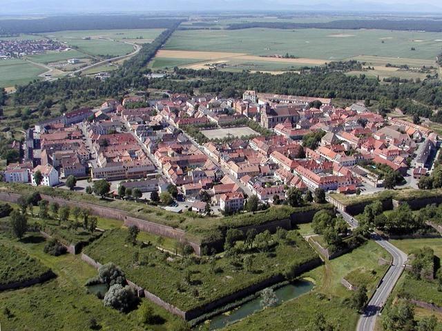 Neuf-Brisach : vue aérienne
