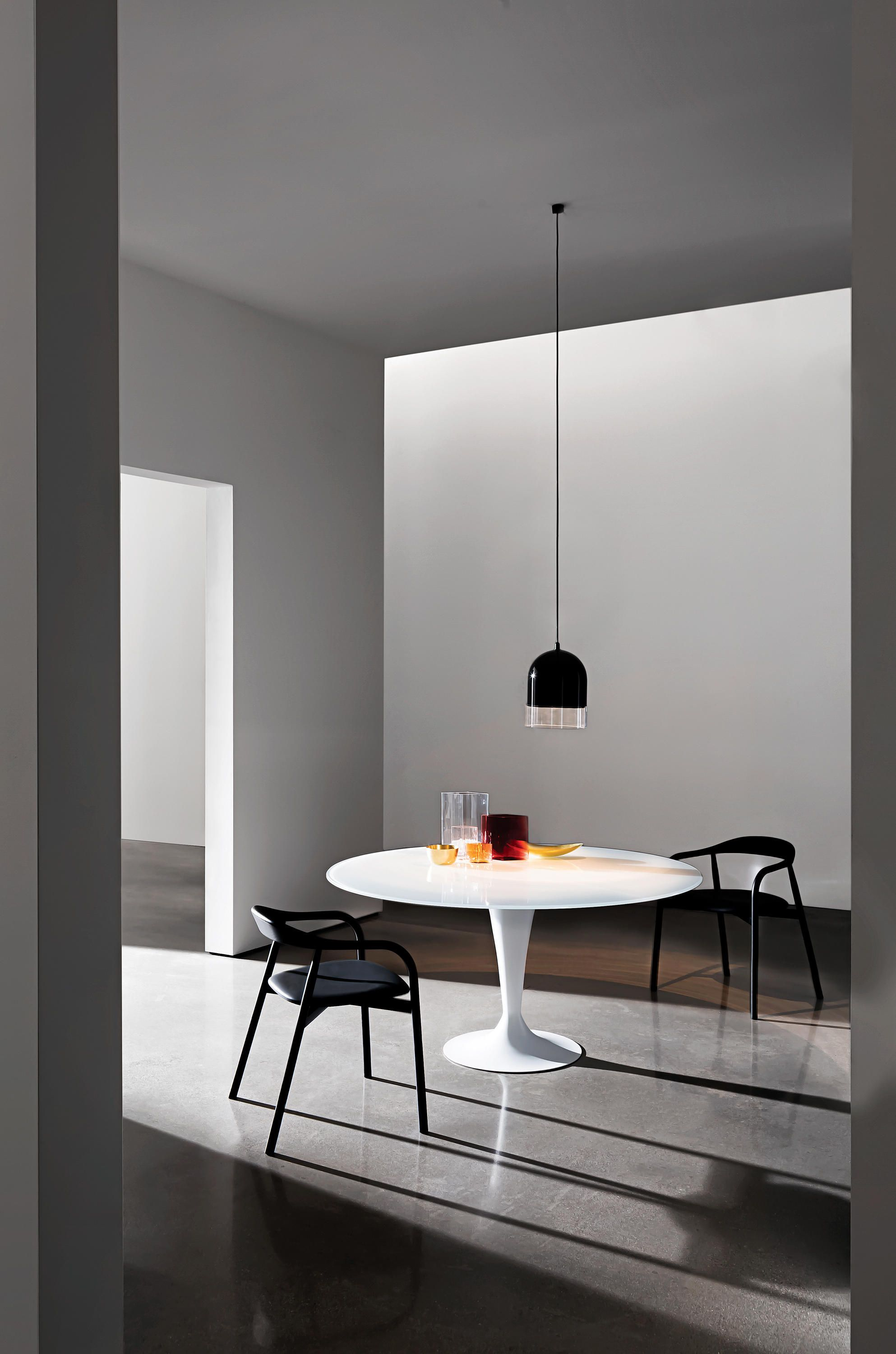 Dining Table With Chromed Or Lacquered Met  Al Base, Different Finishes.  Top Available In Tempered Glass, MATERIA, Ceramic Or Wood, Various  Finishes. Ø..