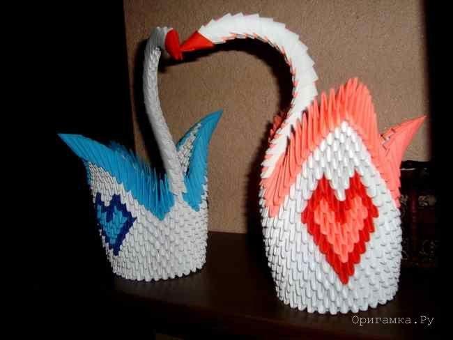 Modular Origami Swan With Hearts