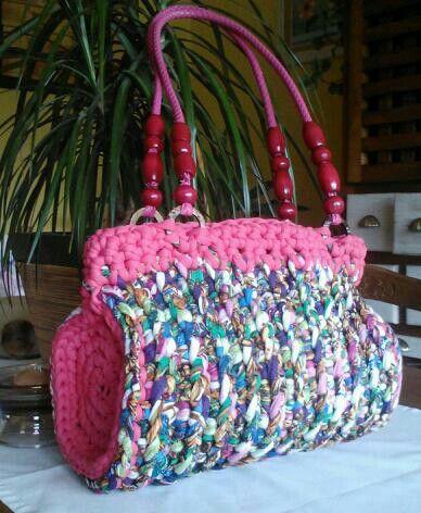 Bolso de trapillo con laterales circulares mis for Bolso crochet trapillo