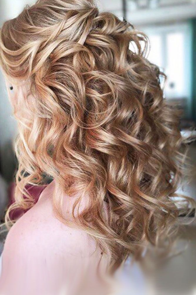 Bridal hairstyles 30 captivating wedding hairstyles for medium bridal hairstyles 30 captivating wedding hairstyles for medium length hair its naturally for junglespirit Images