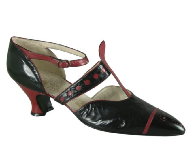 """""""Salomé"""" Casual Shoes, Hellstern & Sons, Patented, Paris: ca. 1920-28, French, kid leather, goatskin, leather sole, Louis XV kid leather heel."""