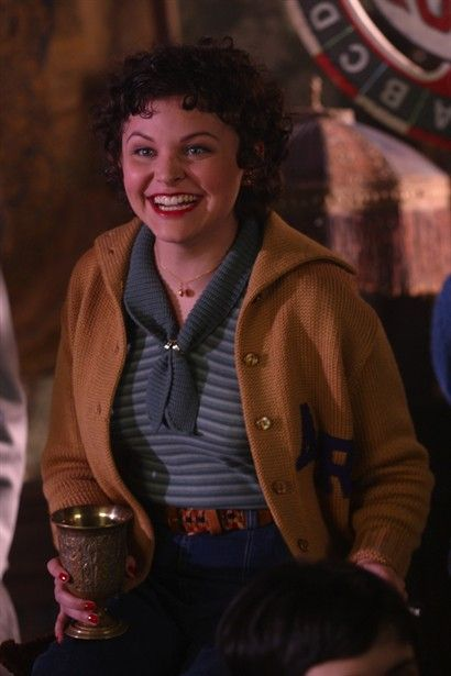 Ginnifer Goodwin As Connie Baker In Mona Lisa Smile 2003