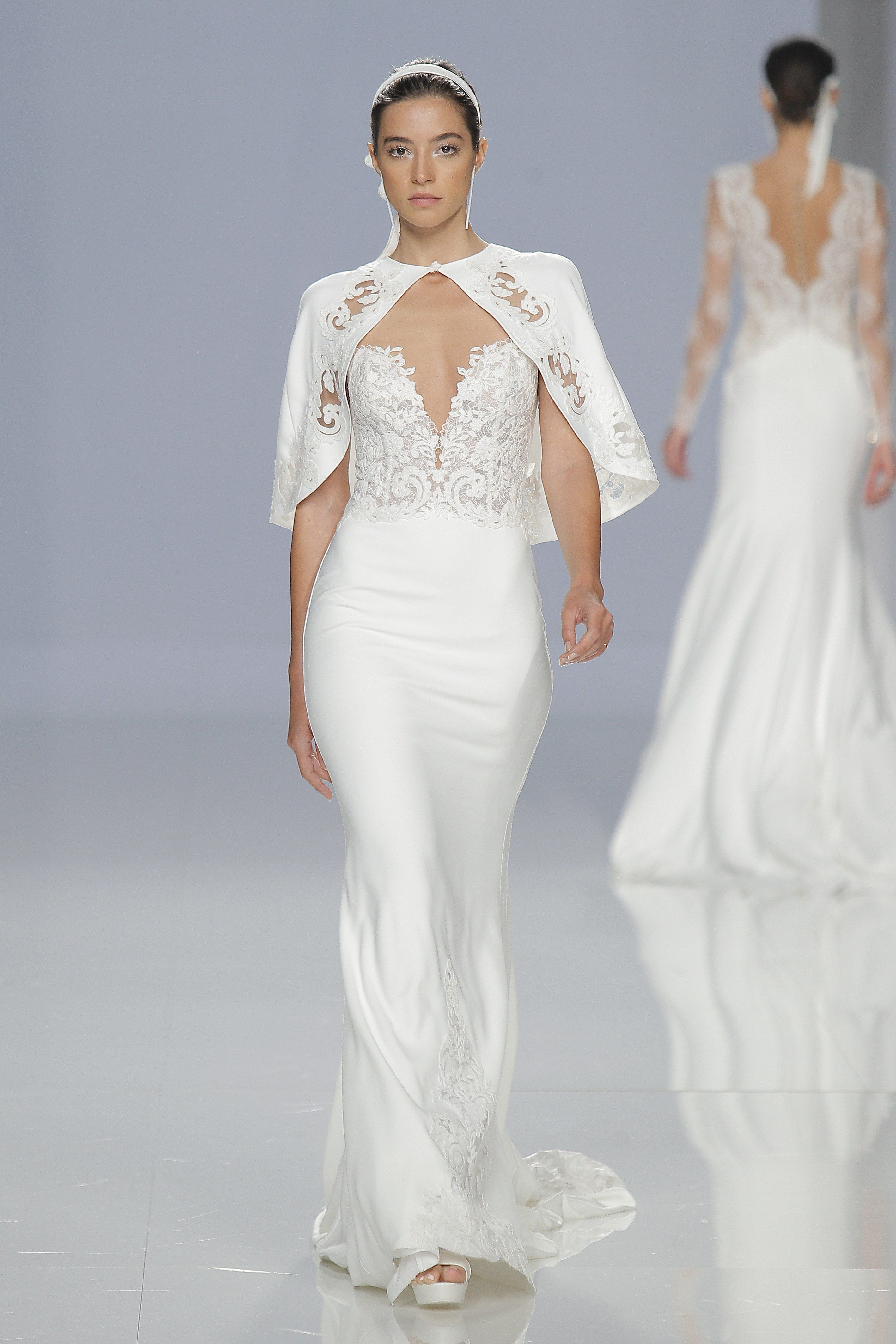 Try Different Fabric Combination For The Modern But Classic Bridal Look