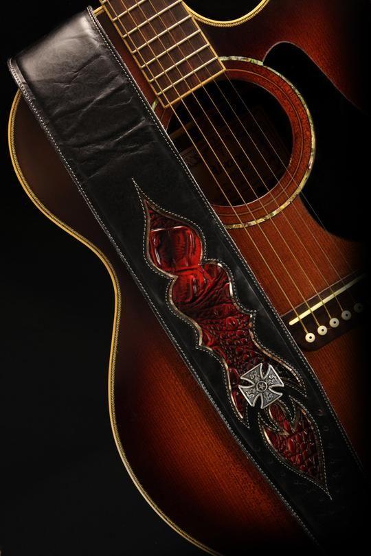 Ghim Tren Leather Guitar Strap