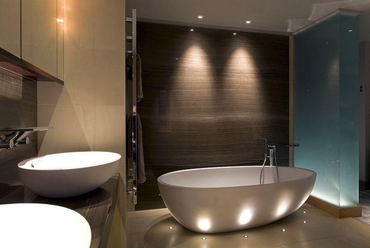 L\'éclairage salle de bains LED – conseils et idées élégantes   spot ...