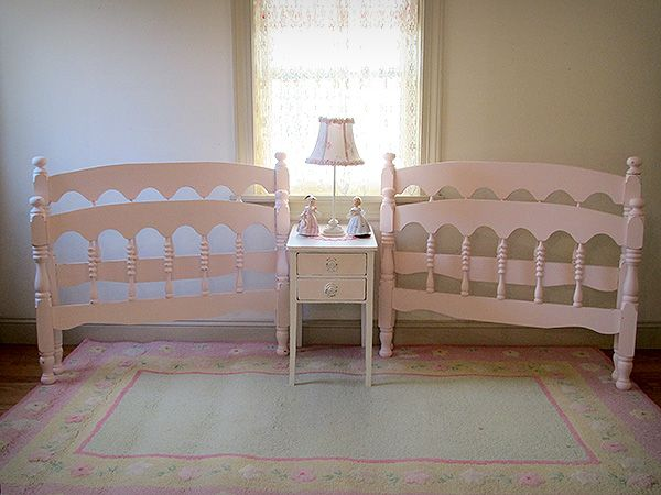 These Darling Pink Twin Beds Will Look Adorable In A Little Girl S