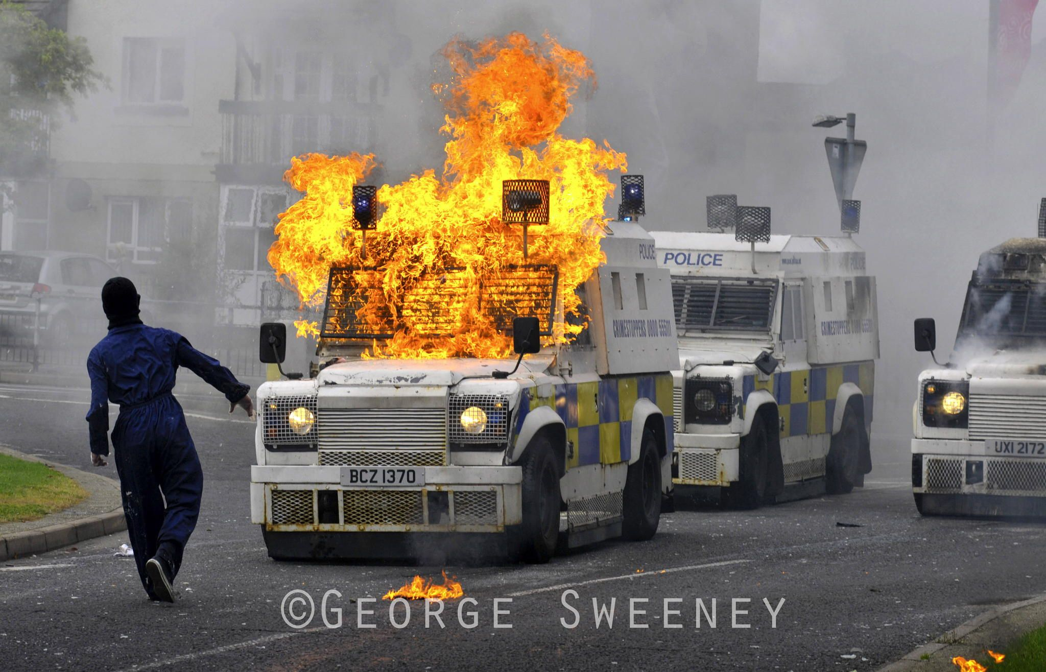 Police Service Northern Ireland Psni Armoured Landrover Takes A