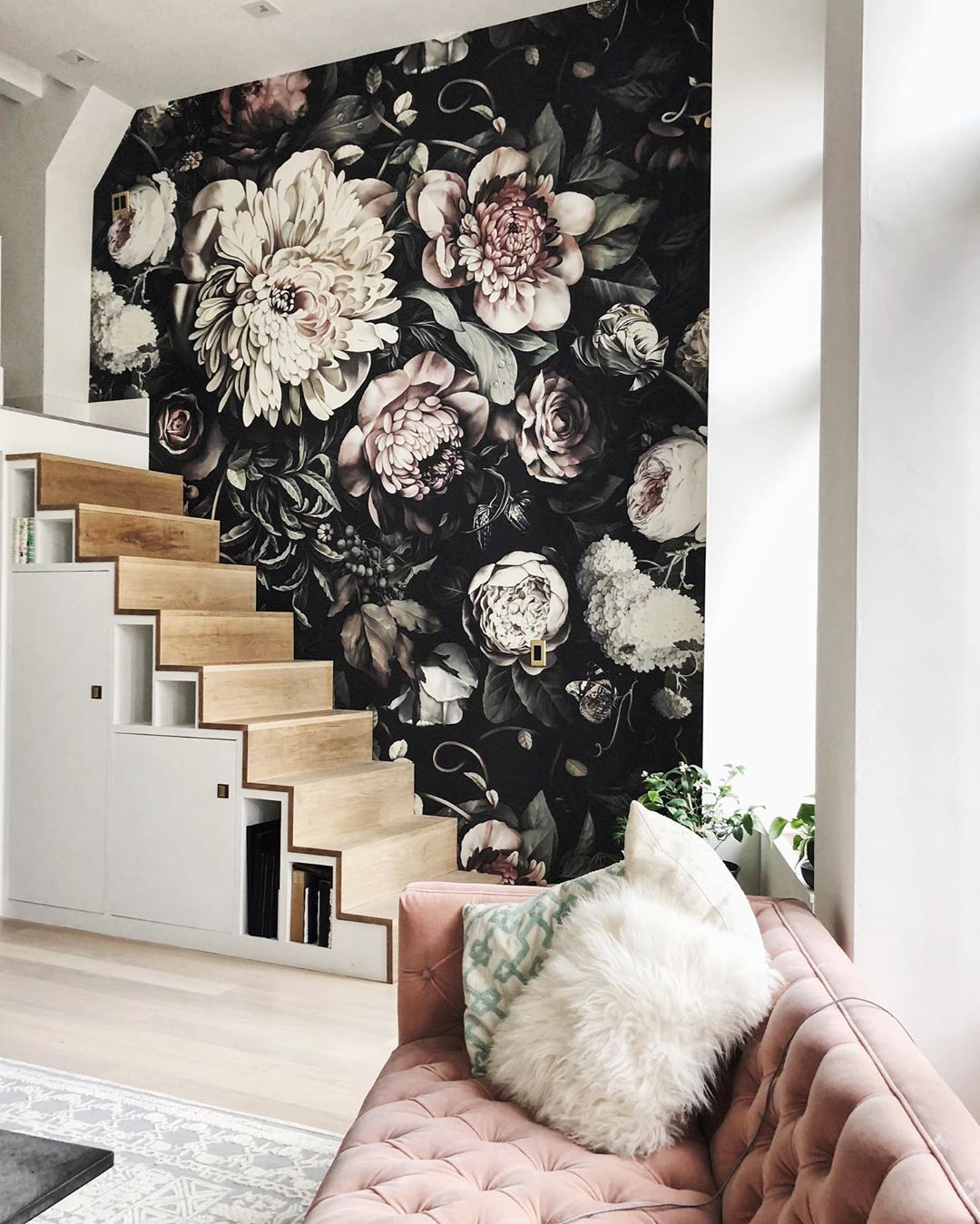 Ellie Cashman Design On Instagram I Find The Wallpaper To Be Majestic It S Botanic In A Way Floral Wallpaper Bedroom Floral Bedroom Black Floral Wallpaper
