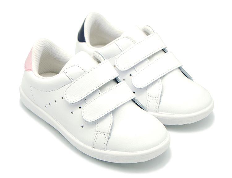 Tienda online de calzado infantil Okaaspain. Zapatilla de piel lavable con doble  velcro para niños y niñas. Diseño y Calidad y precio hecho en España. b8c1a36d704