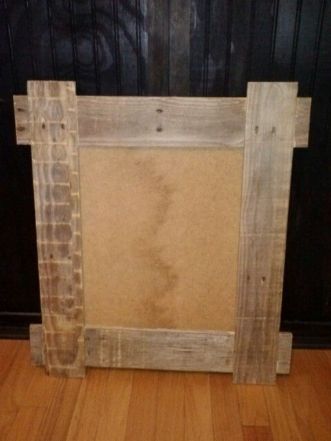 Pallet wood picture frame. | Diy | Pinterest | Marcos para cuadros ...
