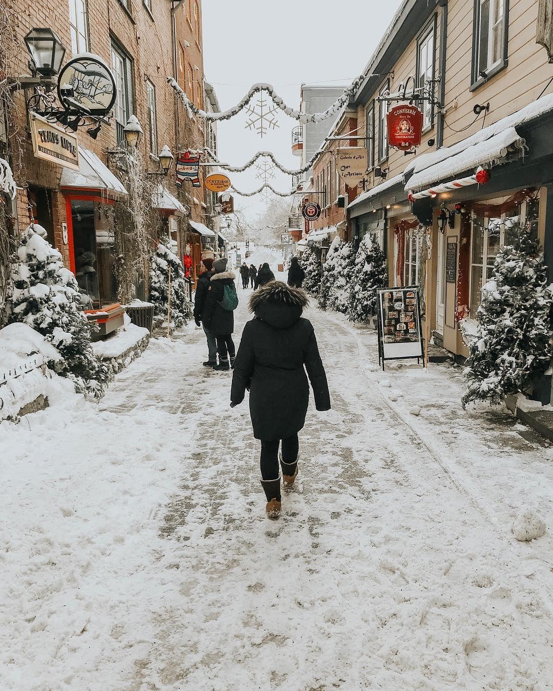 Sarah Melina Blog Trotteuse On Instagram The Cutest Street Of Quebec City Petit Champlain Quebec Canada Winter T Quebec City Champlain Quebec