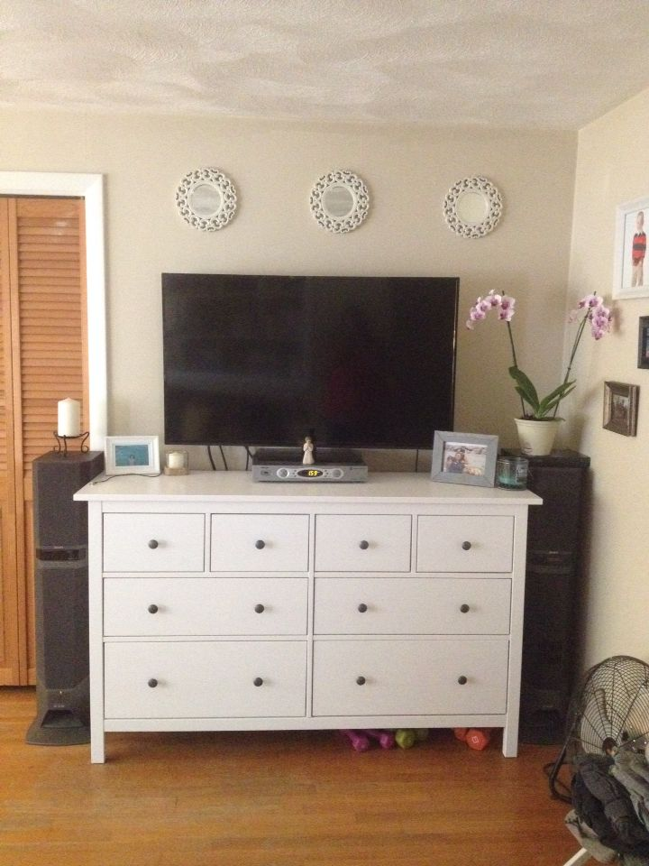ikea hemnes dresser as tv stand decorating the house pinterest d co. Black Bedroom Furniture Sets. Home Design Ideas