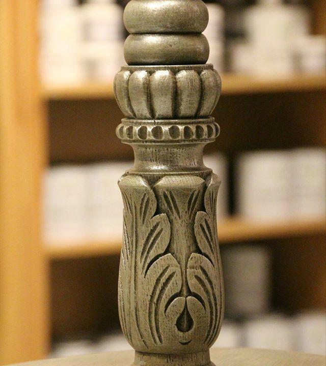 Lámpara/mesilla con veladura de plata