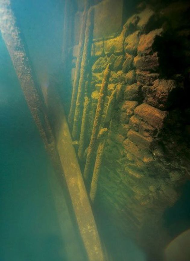 Look 12 Spectacular Shots Of China S Bizarre Underwater City Onderwater Steden