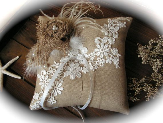Rustic Chic Wedding ring bearer pillow with rope di Mydaisy2000, $40,00