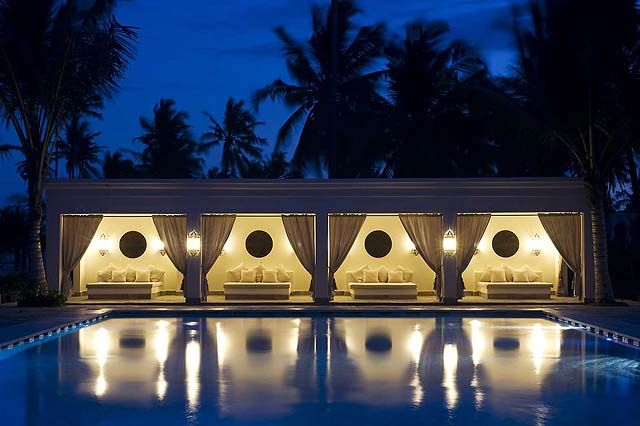 How would you like to swim in this pool? You can - at Baraza Resort & Spa on Zanzibar... http://www.sandinmysuitcase.com/baraza-resort-and-spa/