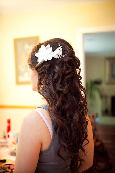 This is gorgeous..might use for my hair style as maid of honor soon | Hair, Homecoming hairstyles