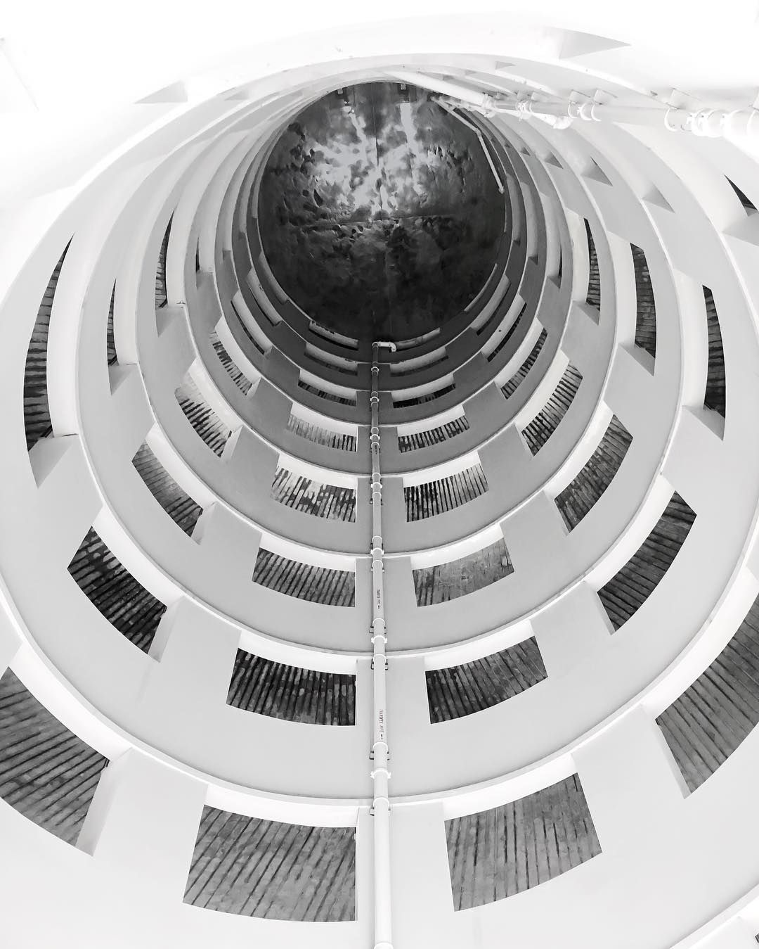 [exploresingapore] . Look down or look up? by