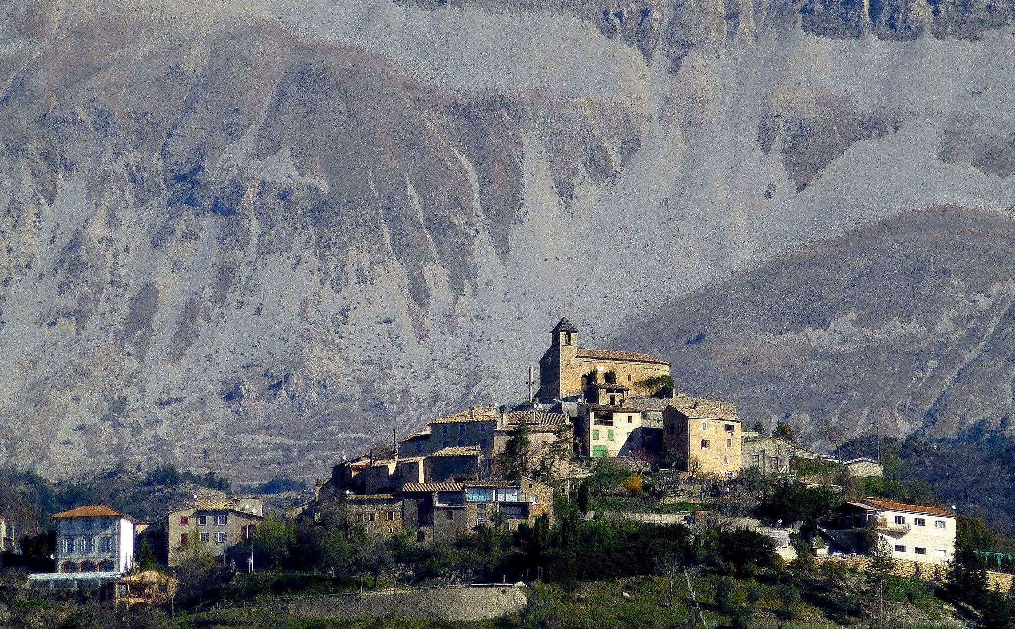 village de CastelletlesSausses