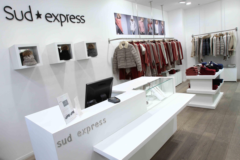 Mobilier Sud Express agencement boutique textile
