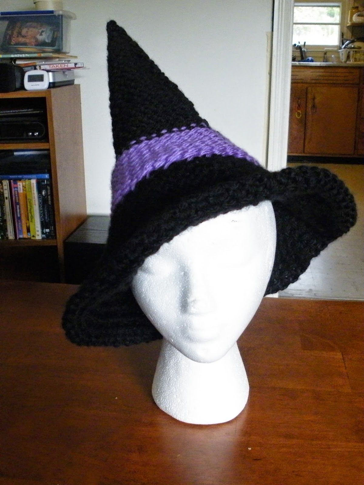 The Loom Muse Creations and Ideas: How to Loom Knit a Witches or ...