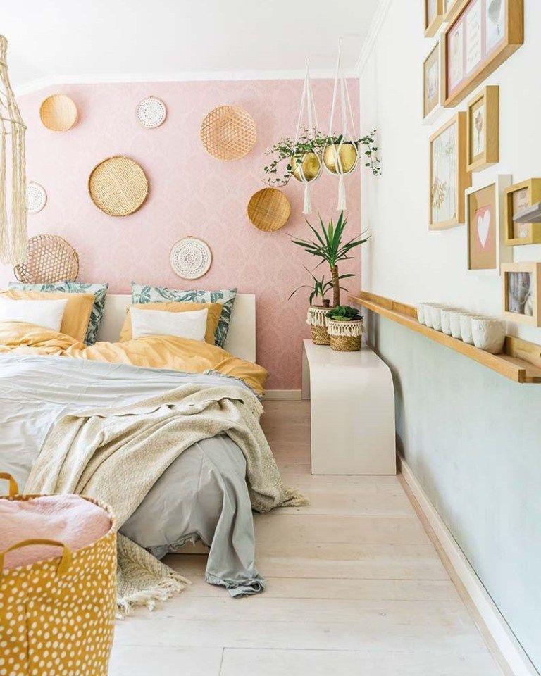 Un Hogar Con Paredes Y Accesorios Rosa Millennial Delikatissen Home Decor Pastel Home Decor Home