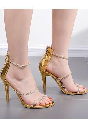 Asian feet in heels