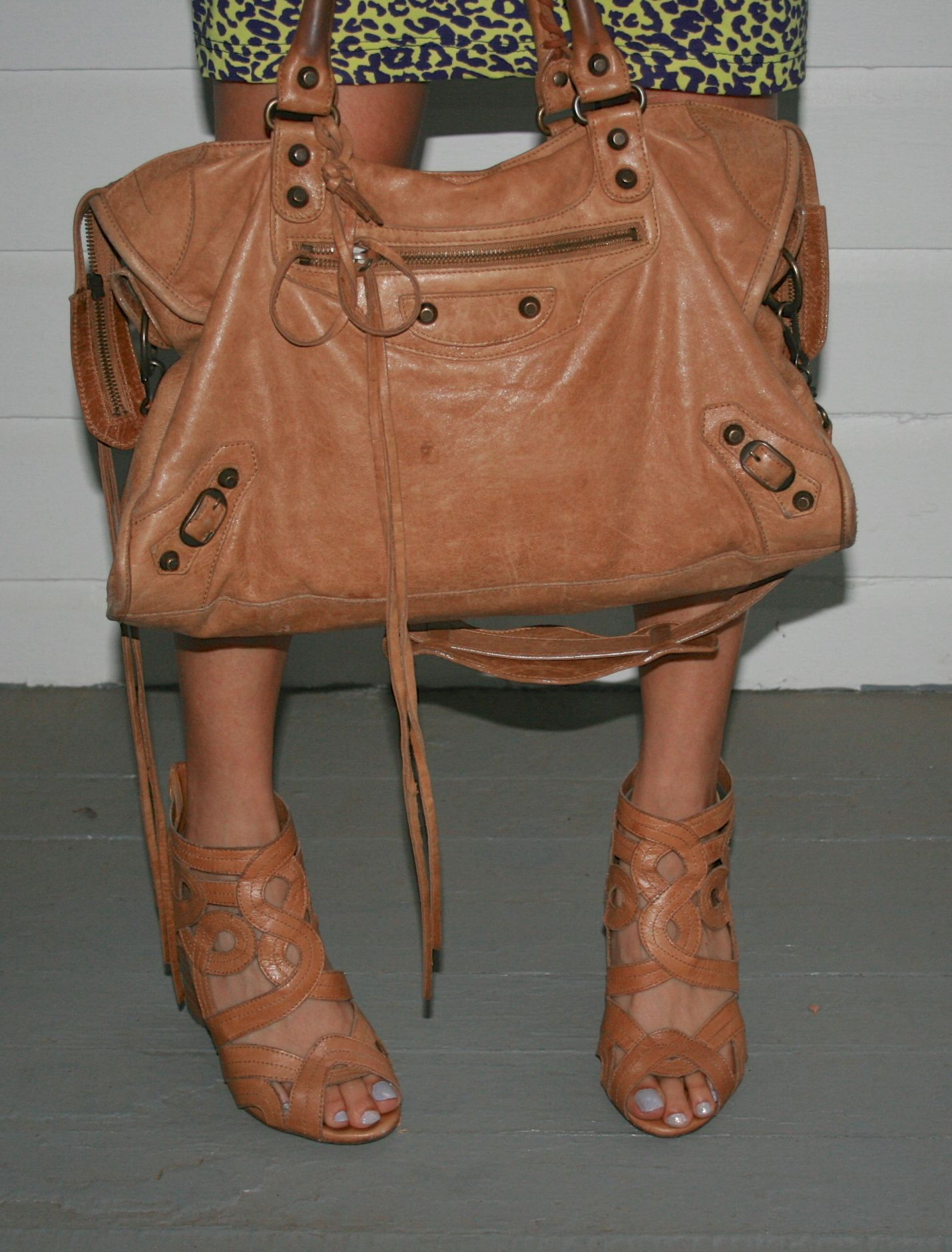 abdb630dc4d1 Love the brown Balenciaga bag   shoes!