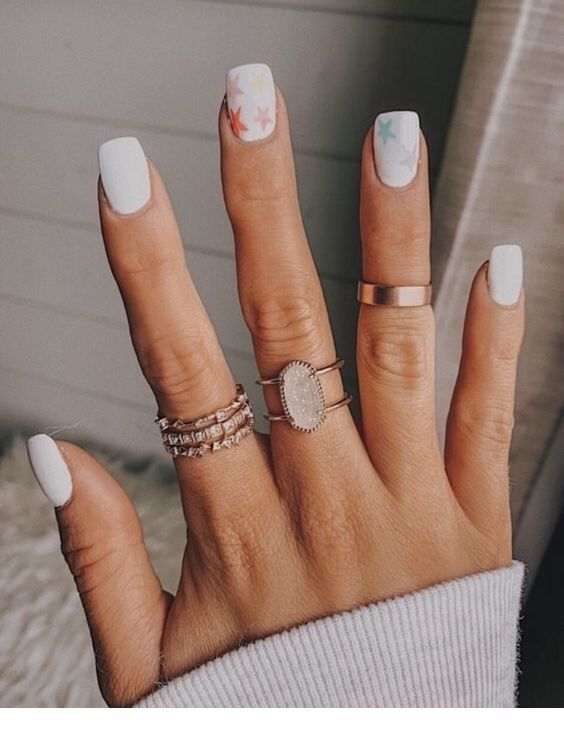Rings And White Short Nails Chicladies Uk In 2020 Dream Nails Star Nail Designs Star Nails