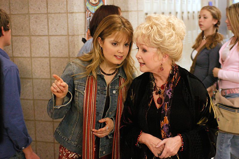Debbie Reynolds Forever Memorialized by the Cast of 'Halloweentown ...