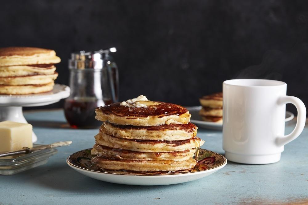 Zitronen Buttermilch Pfannkuchen Zitronen Buttermilch Pfannkuchen Das Schonste Zitrone In 2020 Food Processor Recipes Buttermilk Pancakes Winter Warmers Recipes