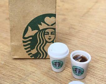 2 Pcs Dollhouse STARBUCKS MINIATURE FRAPPUCCINO MOCHA /& COFFEE Prop Drink 1:6