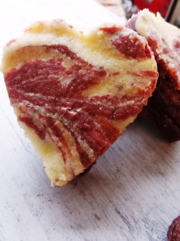 red velvet cheescake brownie -  looks simple, need to try it out