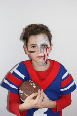 Zombie Football Spieler Player Halloween Make Up Football Rugby Zombie Walking Dead Football Player Halloween Zombie Football Player Costume Zombie Halloween Costumes