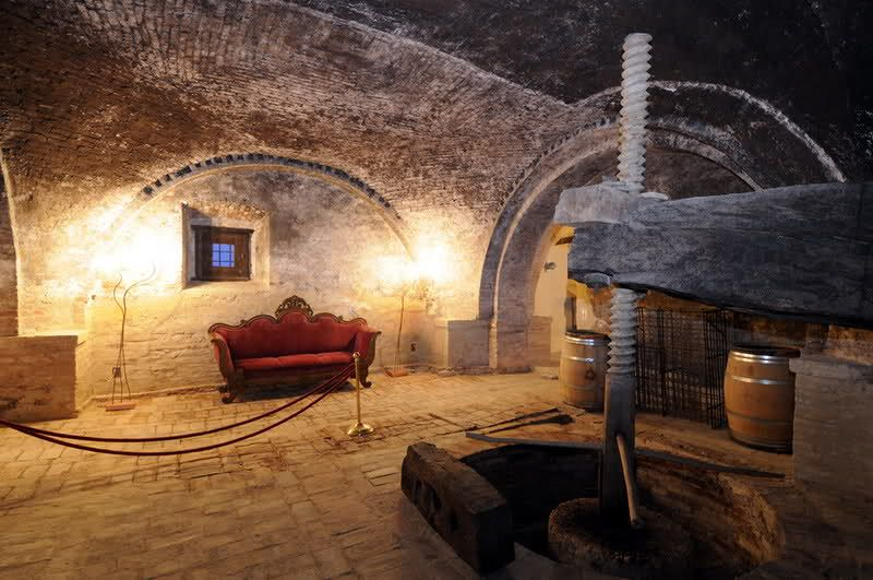 The Castello di Semivicoli   details Castello di Semivicoli http://www.wineweddingitaly.com/en/castello-di-semivicoli/ #weddingitaly #weddingabruzzo #winewedding #weddingvineyard #winelovers