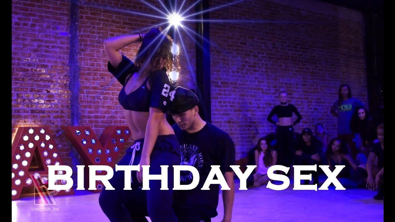 Ютуб танцы секс