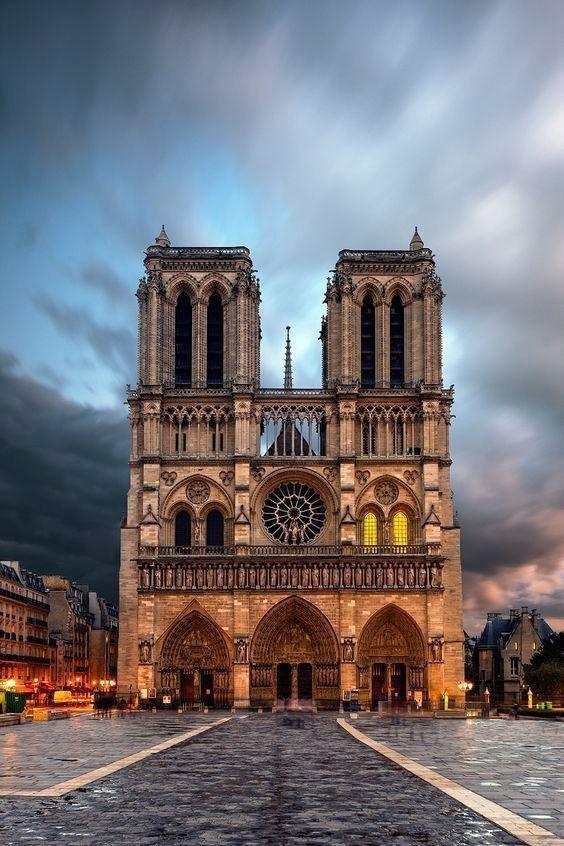 Notredame Idee per le vacanze, Viaggiare a parigi