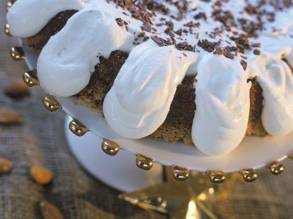 Nusskuchen mit Schlagsahne ist ein Rezept mit frischen Zutaten aus der Kategorie Nusskuchen. Probieren Sie dieses und weitere Rezepte von EAT SMARTER!