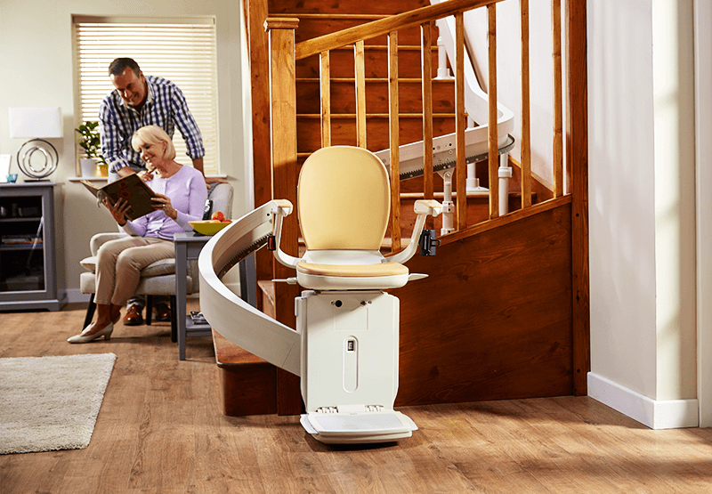 The Acorn 180 Stair Lift Can Be Installed On Virtually Any Staircase Including Curves Multiple Landings And More E Curved Staircase Stair Lift Storey Homes