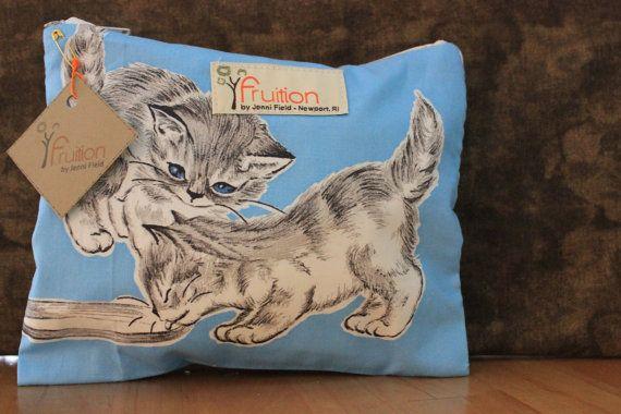 Vintage 1960's Kitten fabric by Fruitionbyjennifield on Etsy $12.00 vintage kitten make-up bag