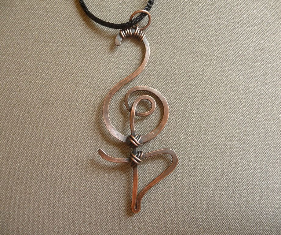 Hakuna Matata Symbol Pendant Jewellery Copper Wire Wrapped Jewelry