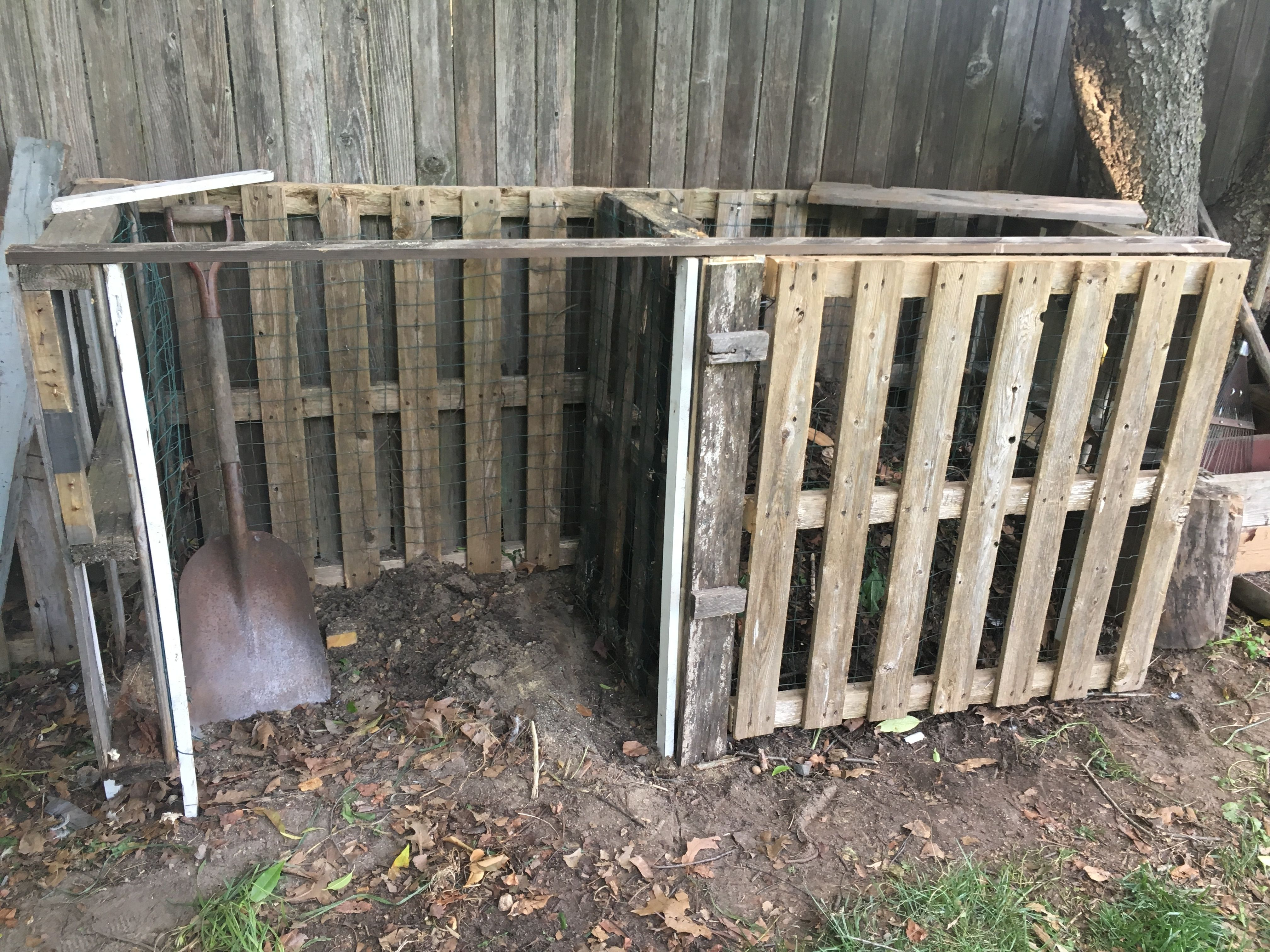 Compost bins- Made entirely of scrap wood and wire! Pallets, 2 old ...