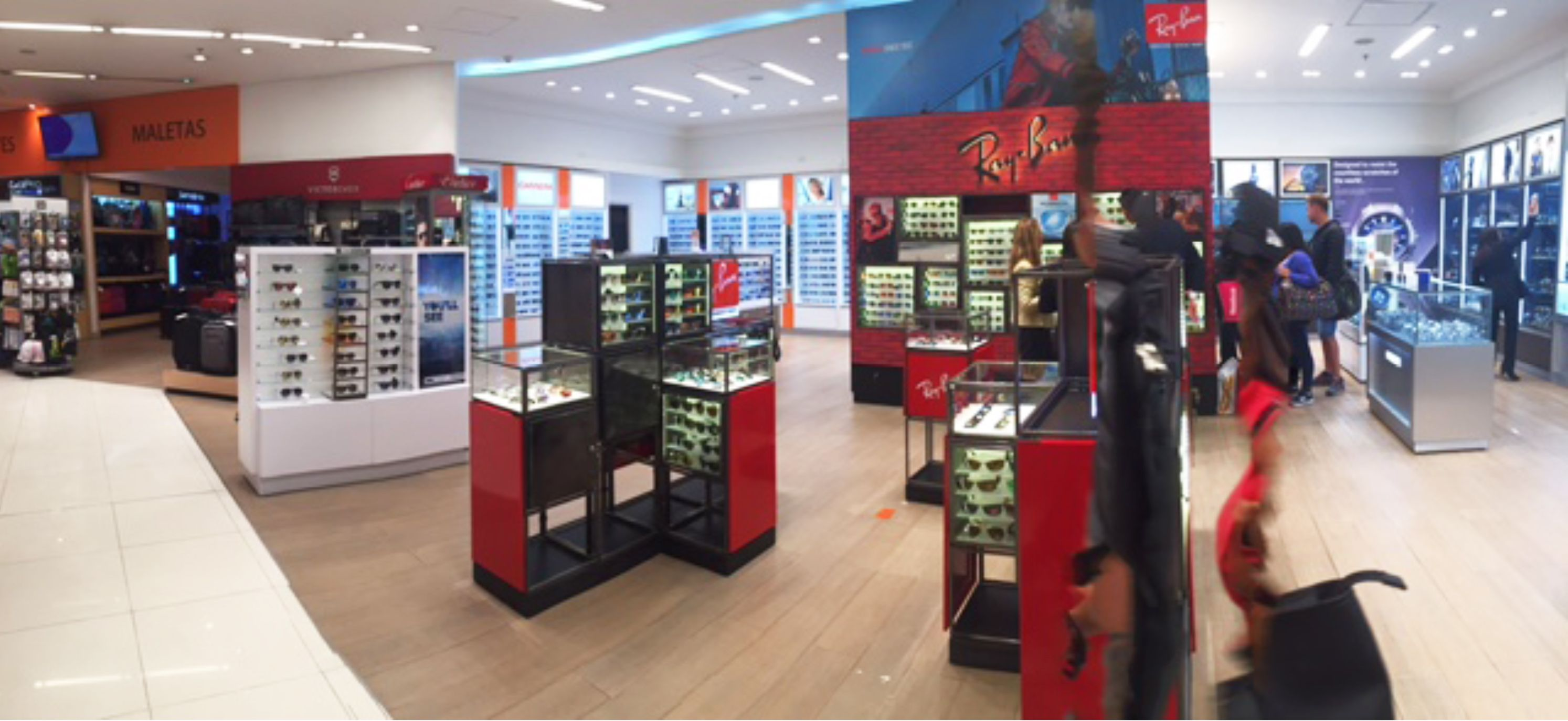 84f1f42762 Ray-Ban and Oakley make instant impact in refurbished sunglasses space at  Bogota International