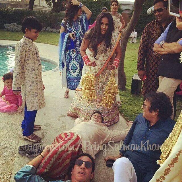 Arpita Khan S Wedding Alia Bhatt Photoshoot Bridal Dresses Pakistan Bollywood Wedding