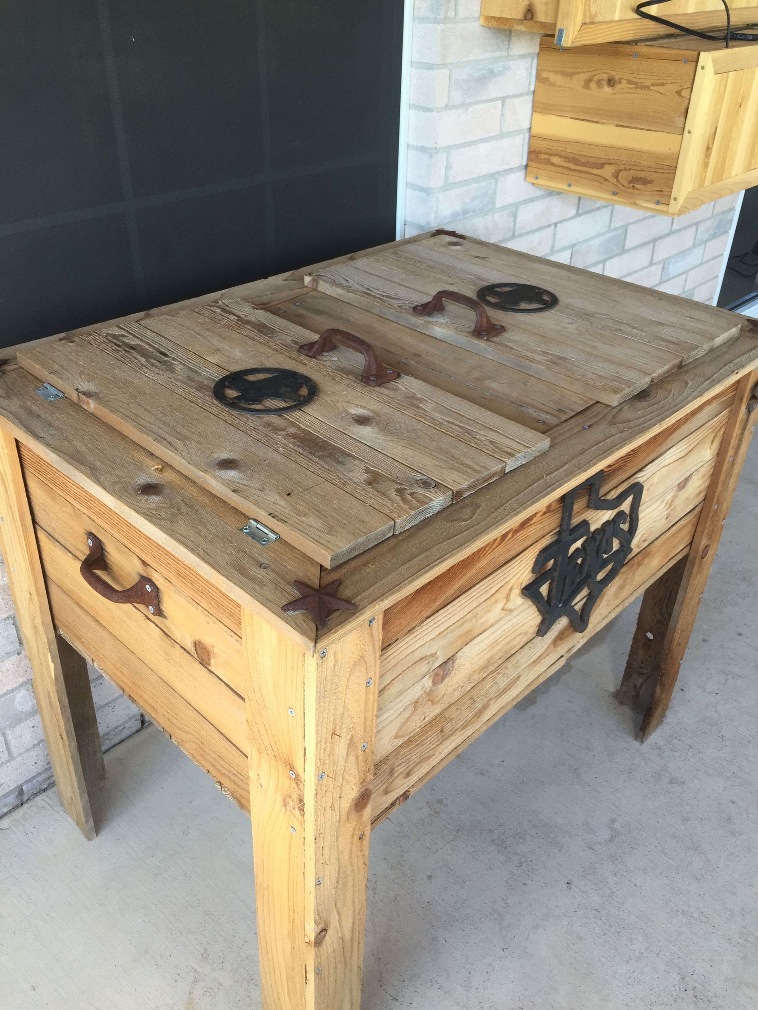 Diy Ice Chest Coffee Table Home Decor Pallet Coffee Table