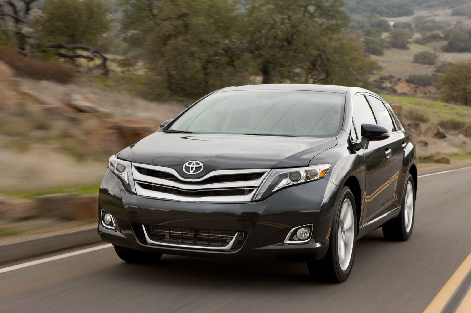 2013 toyota venza black front view on street