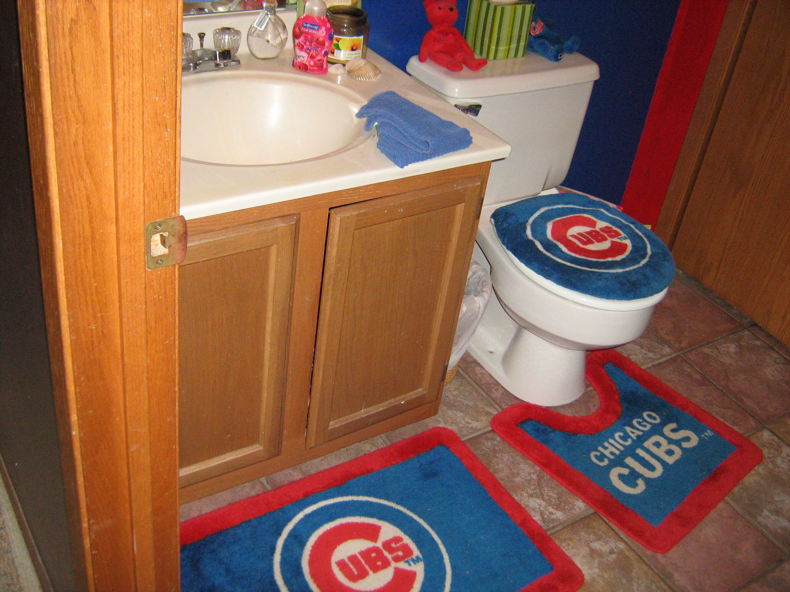 chicago cubs bathroom ashley i thought you tyler when i saw this