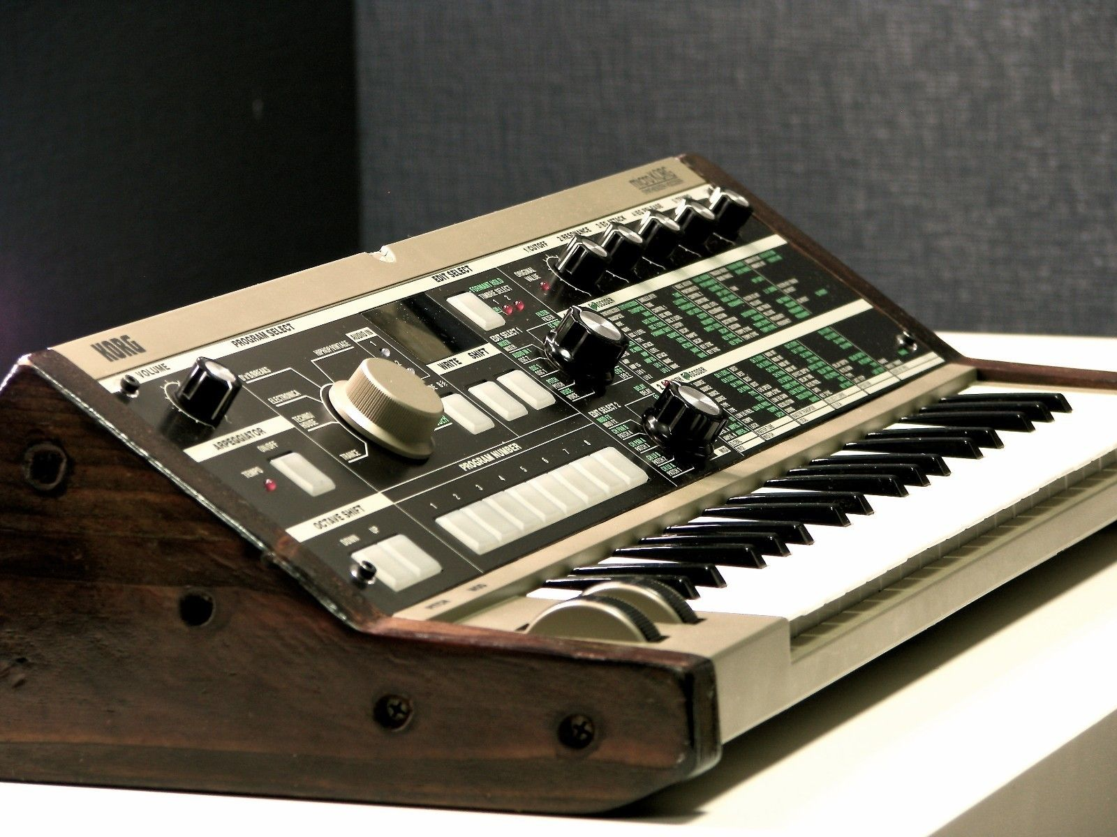 Korg Microkorg Custom In 2018 Synthesizers Pinterest Music Circuit Bent Casio Sk1 Sampling Keyboard Aliendevices