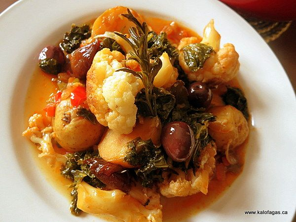 Cauliflower Stifado With Kale Kalamata Olives Greek Recipes Vegan Greek Greek Dishes